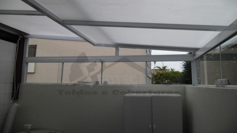 Cobertura de Garagem Abre e Fecha Casa Verde - Cobertura de Lona