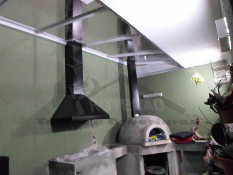 Cobertura em Policarbonato Compacta para Churrasqueira Tremembé - Cobertura de Policarbonato Compacta Cristal