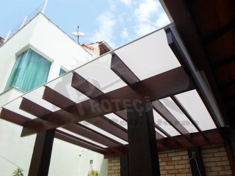 Cobertura Policarbonato Compacta para Pergolado Jardim América - Cobertura de Policarbonato Compacta Cristal