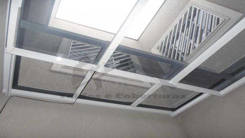 Cobertura Policarbonato Retrátil Compacto Campo Belo - Cobertura de Policarbonato Compacta Cristal