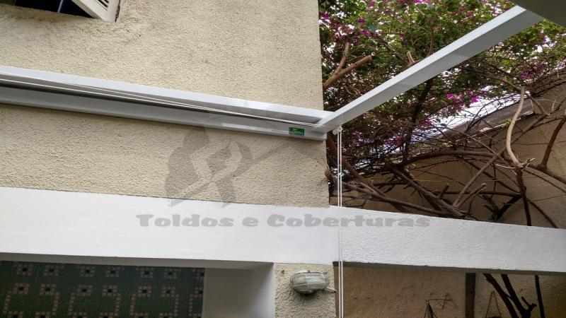 Coberturas Abre e Fecha de Policarbonato Itaquaquecetuba - Cobertura de Lona