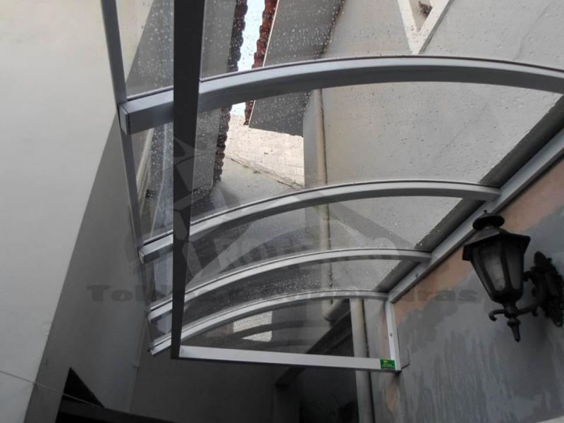 Coberturas de Policarbonato Compacta para Janelas Raposo Tavares - Cobertura de Policarbonato Compacta Cristal