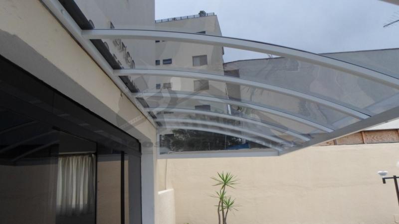 Coberturas em Policarbonato Compacto Fumê Cidade Jardim - Cobertura de Policarbonato Compacta Cristal
