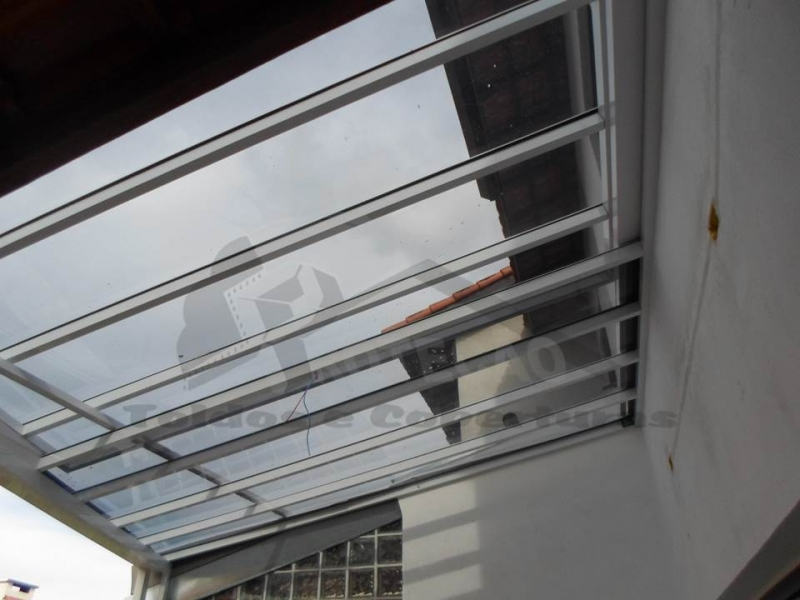 Quanto Custa Cobertura em Policarbonato Compacta Taboão da Serra - Cobertura de Policarbonato Compacta Cristal