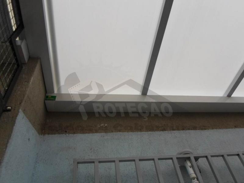 cobertura de garagem em policarbonato retrátil Cajamar