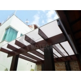 cobertura de policarbonato com madeira Jardim Bonfiglioli