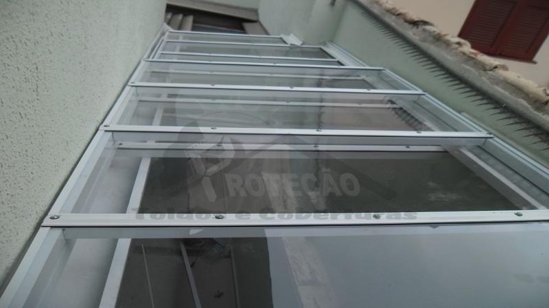 cobertura de policarbonato retrátil para lavanderia preço Cidade Ademar