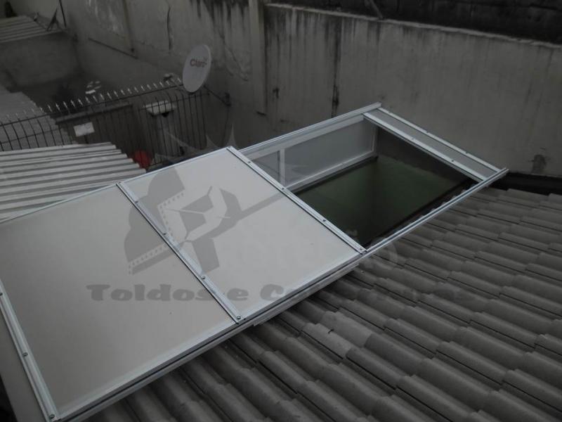 cobertura de policarbonato retrátil para lavanderia