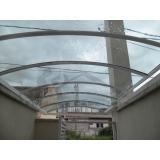 instalação de coberturas de policarbonato passarela Vila Sônia